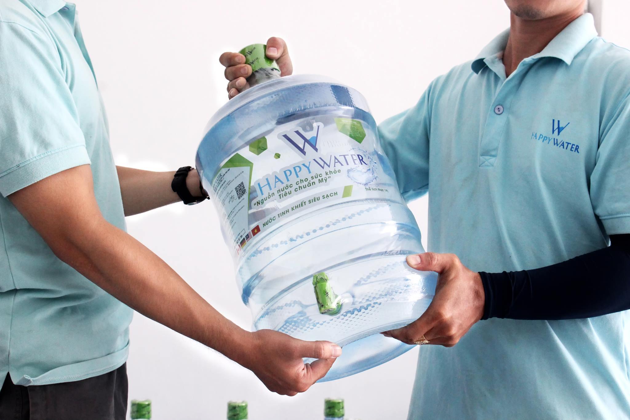 Nước uống tinh khiết đóng bình